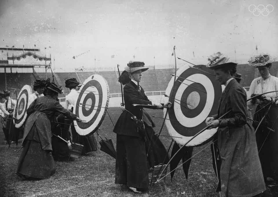 Archeress-London-1908