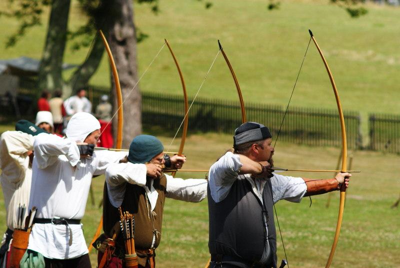 Archery finger tabs vs gloves